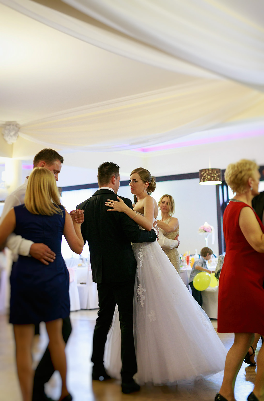 destination wedding photographer wiltshire 100