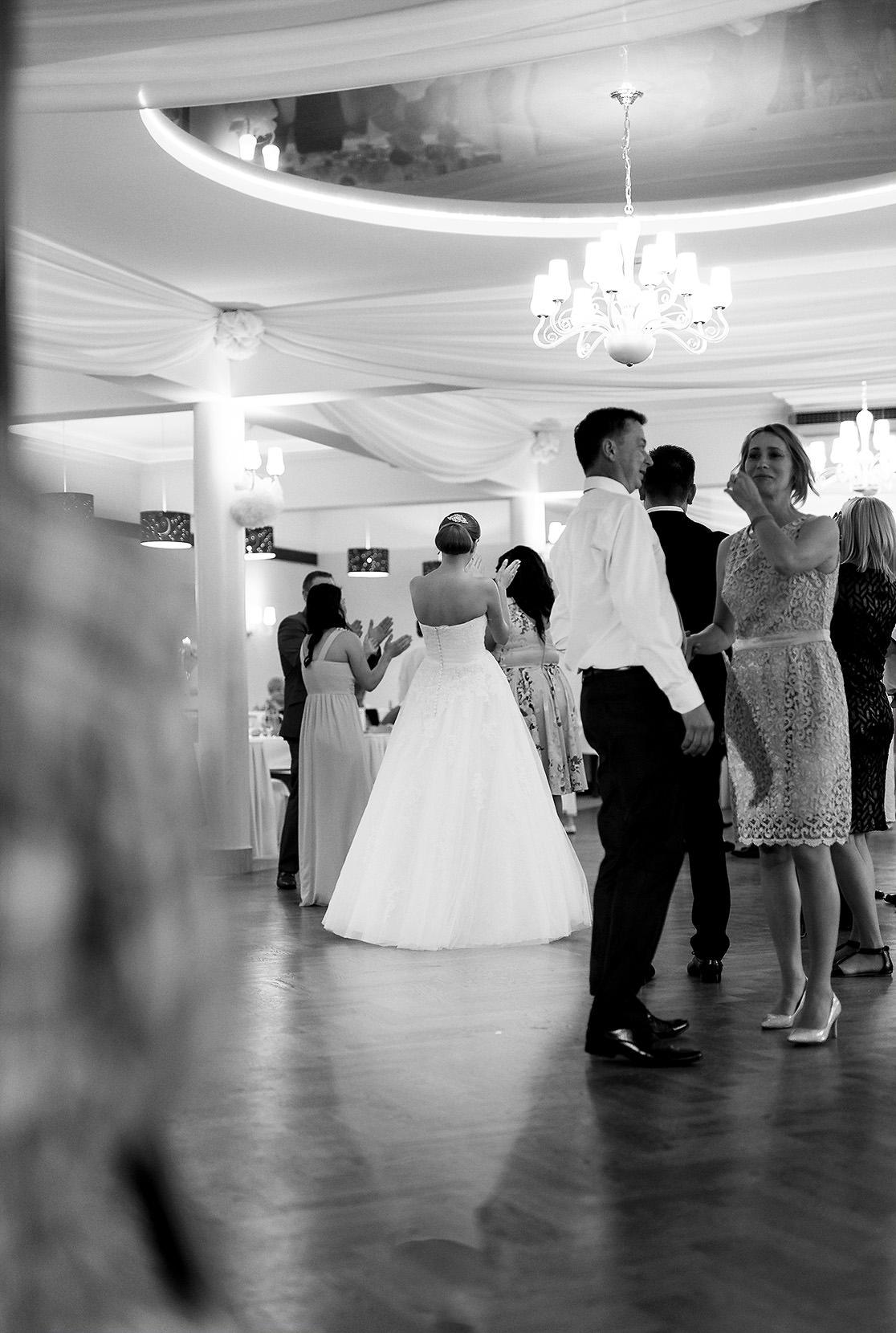 destination wedding photographer wiltshire 108