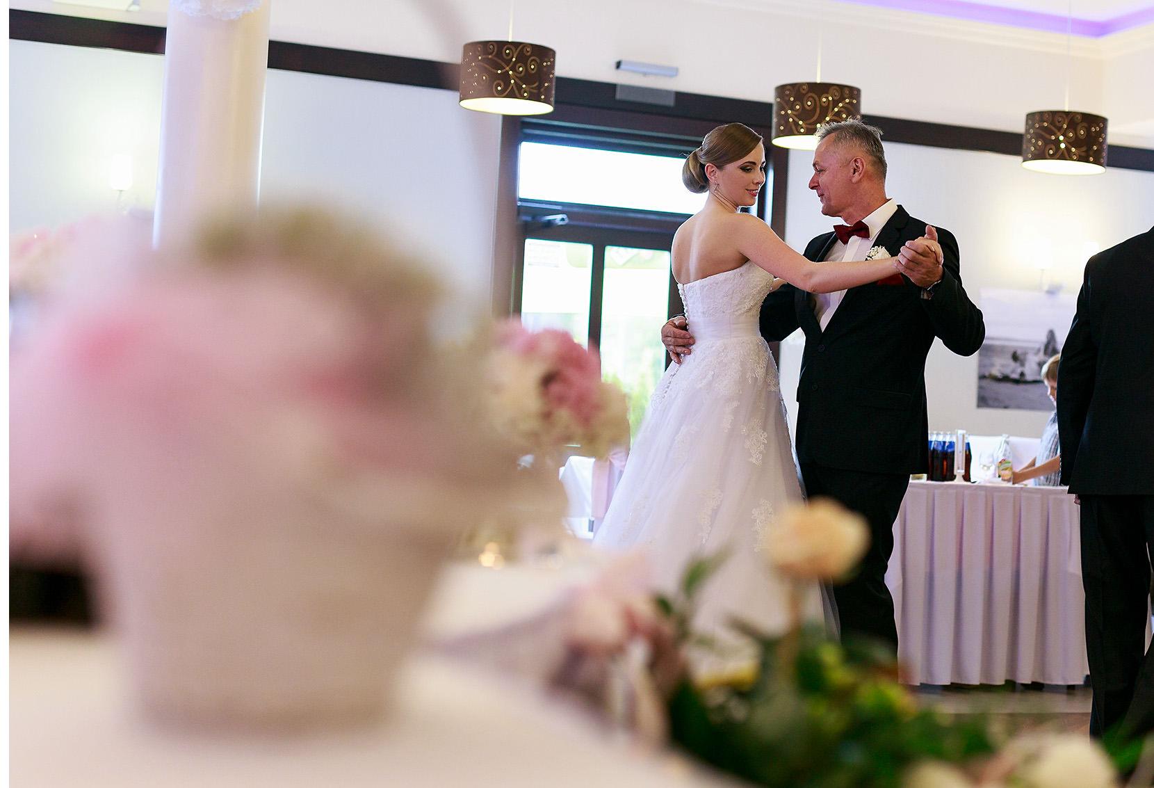 destination wedding photographer wiltshire 75