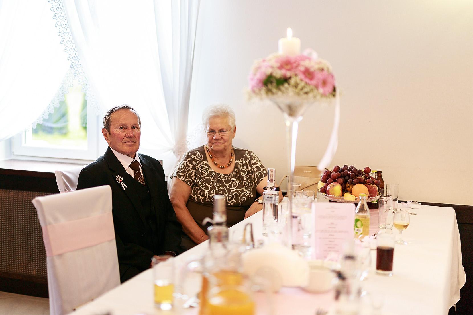 destination wedding photographer wiltshire 76