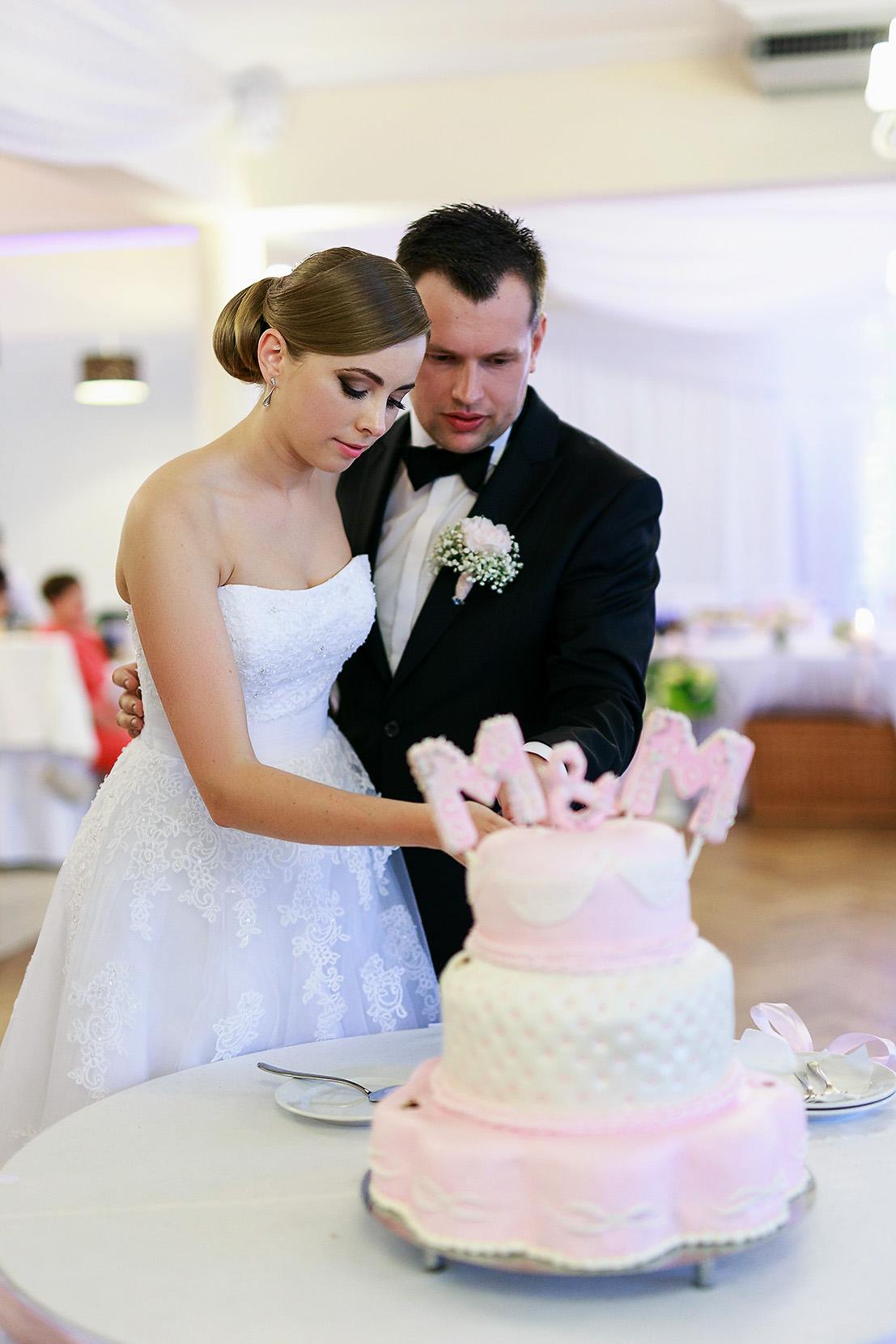 destination wedding photographer wiltshire 79